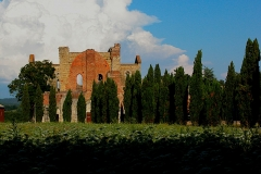 San Galgano chiesa esterno