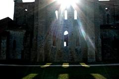 San Galgano chiesa sole che filtra